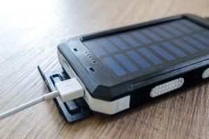 Carregador, Powerbank e capa de telefone impermeável